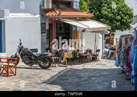 Cafe in Skopelos Town, Northern Sporades Greece. - Stock Image