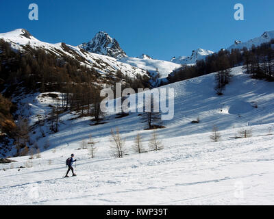 Snowshoeing near Col de Malaure, Parc regional du Queyras, French Alps - Stock Image