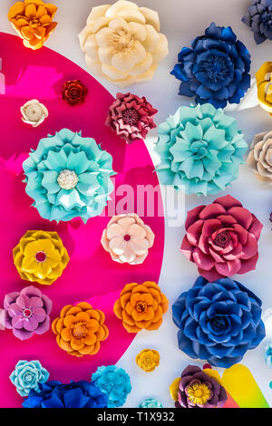 Colorful 3D wall flowers at Paseo Queretaro, a modern 'malltertainment' shopping mall and entertainment district located in Queretaro, Mexico - Stock Image