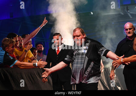 John Henderson of UK competes in the PDC Czech Darts Open in Prague, Czech Republic, on Friday, June 28, 2019. (CTK Photo/Michal Kamaryt) - Stock Image
