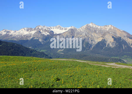 High mountains Parpaner Rothorn, Aroser Rothorn and Lenzer Horn, Switzerland. - Stock Image