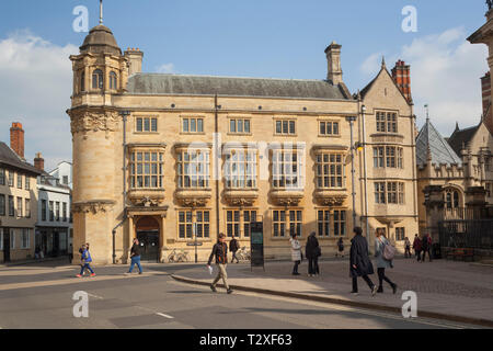 The Oxford Martin School on Catte Street, Oxford - Stock Image