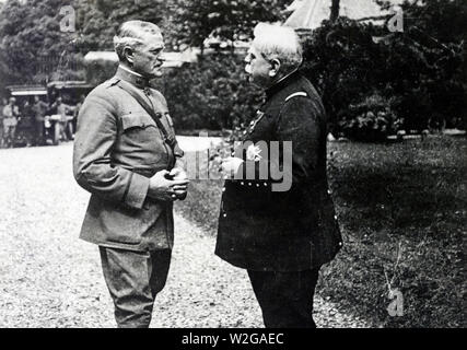 General John J. Pershing, U.S.A., and Marshal Joffre, French Army, in front of the latter's headquarters. Paris, France ca. 1917-1921? - Stock Image