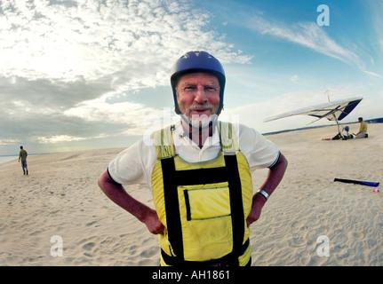 Bengt Skold 65 hangglider at the sand dunes at the Outer Banks North Carolina - Stock Image