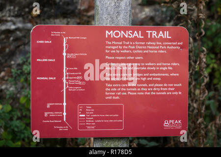 Footpath sign on the Monsal Trail in Derbyshire. - Stock Image