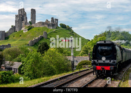 The trains station at Corfe Castle in Dorset - Stock Image