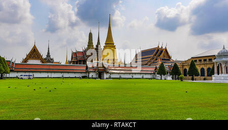 Exterior view in the Grand Palace in Bangkok, Thailand - Stock Image