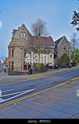 The historic Old Bridgend Courthouse/police station building has been converted to modern offices at rear with part as La Concina Tapas bar. - Stock Image