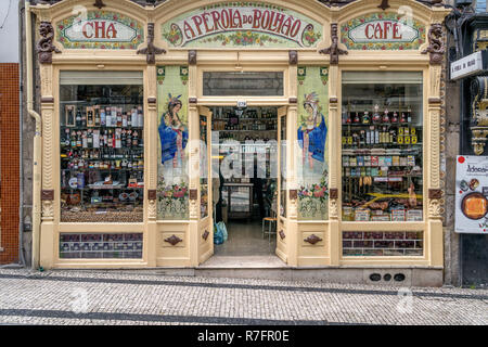 A Perola do Bolhao grocer, Art Nouveau shop front Porto , Portugal - Stock Image