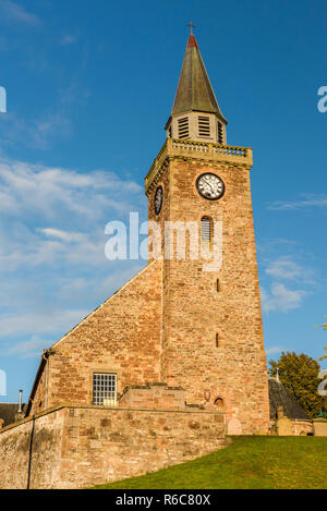 Old High Church (also known as the Old High Kirk), Inverness, Scotland. The church is the oldest in Inverness and dates to at least the 14th century. - Stock Image