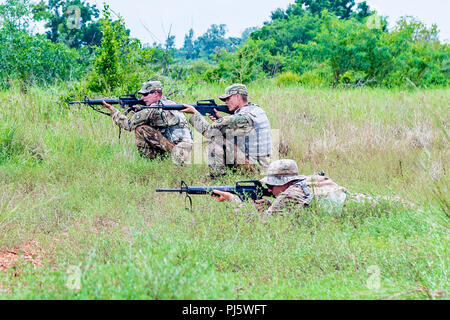 Idaho Army National Guard and Montana Army National Guard Soldiers from the 116th Cavalry Brigade Combat Team conduct a final live-fire exercise rehearsal Aug. 27 during Hanuman Guardian 2018 at the Royal Thai Army's Cavalry Center in the Saraburi province of Thailand. Hanuman Guardian 2018, Aug. 20 – 30, builds capabilities of both armies and increases the interoperability of U.S. and Thailand forces, longtime allies. More than 150 U.S. Army and 350 Army National Guard Soldiers and 350 Royal Thai Army Soldiers are participating in the training exercise. - Stock Image