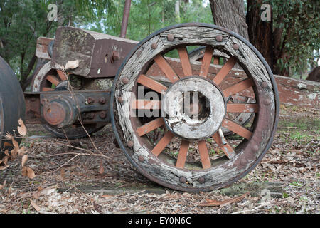 Old pioneer era wooden wheel - Stock Image