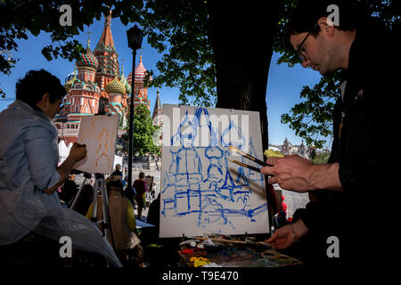 Moscow, Russia. 18th May, 2019  People during the 9th Draw St Basil's Cathedral art festival in Red Square - Stock Image