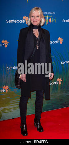 London, United Kingdom. 16 January 2019. Hermione Norris arrives for the red carpet premiere of Cirque Du Soleil's 'Totem' held at The Royal Albert Hall. Credit: Peter Manning/Alamy Live News - Stock Image