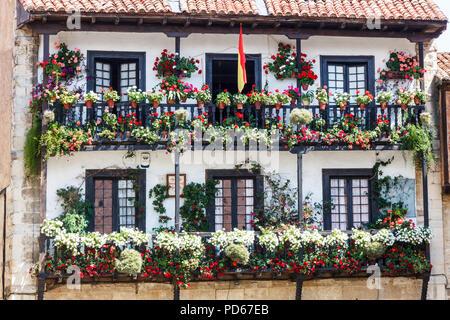 Typical architecture, Santillana, Spain - Stock Image