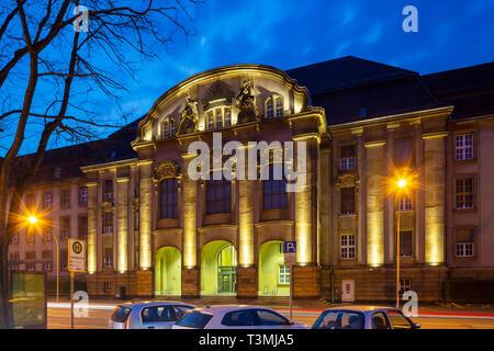 D-Moenchengladbach, Niers, Lower Rhine, Rhineland, North Rhine-Westphalia, NRW, Land court Moenchengladbach and local court building Moenchengladbach, courthouse, historism, art nouveau, evening, blue hour, illumination - Stock Image