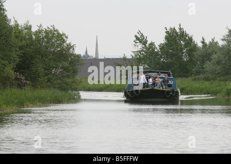 Glasgow branch of the Forth and Clyde Canal from Maryhill Locks to Port Dundas - Stock Image