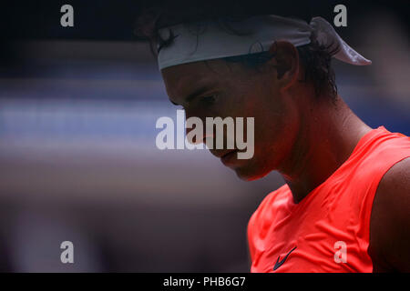 Flushing Meadows, New York - August 31, 2018: US Open Tennis:  Number 1 seed Rafael Nadal walks back to the baseline during his third round match against Karen Khachanov of Russia at the US Open in Flushing Meadows, New York.   Nadal won the match in four sets. Credit: Adam Stoltman/Alamy Live News - Stock Image