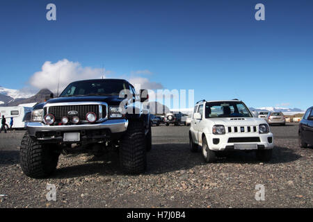 GMC & Suzuki Jimni 4x4 off road cars in Iceland - Stock Image