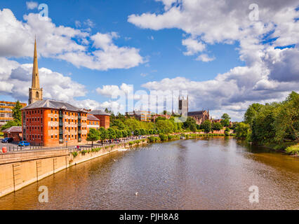 The River Severn and Worcester Cathedral, Worcester, Worcestershire, England - Stock Image