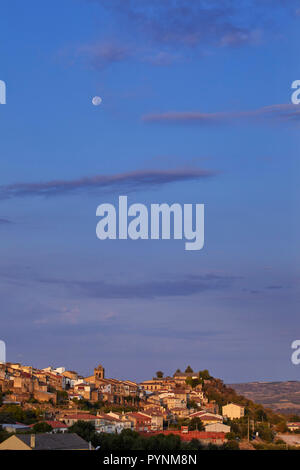Town of Fermoselle in the early morning light with its bullring in foreground and Portugal in distance. Castilla y León, Spain. [Arribes] - Stock Image