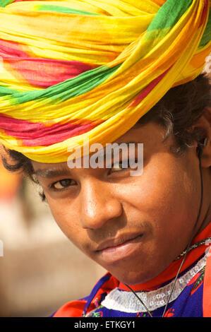 Rajasthani teenager with turban, Palace of Jaipur, Jaipur, Rajasthan, India - Stock Image