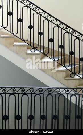elegant marble staircase New York CIty townhouse - Stock Image
