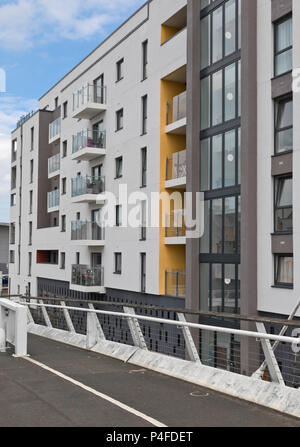 Bridge apartments, on the river Wensum taken from the Novi Sad Friendship Bridge in Norwich, UK. - Stock Image