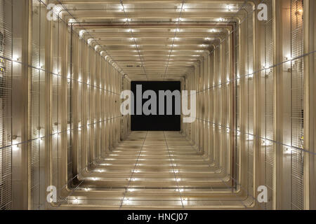 Upwards view of a typical public housing block on the Wo Che Estate, Sha Tin, Hong Kong - Stock Image