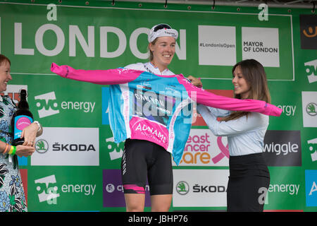London, UK.  11th June 2017. Final stage of the 2017 Women's Tour of Britain. Hannah Barnes wins the jersey for - Stock Image
