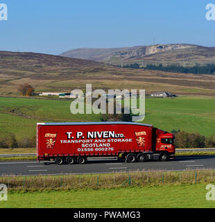 T.P.Niven Limited, Transport and Storage Scotland HGV. M6 Northbound carriageway, Shap, Cumbria, England, United Kingdom, Europe. - Stock Image