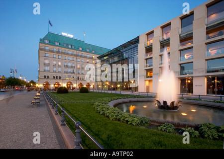 Berlin Paris square Hotel Adlon academy of Art DZ bank - Stock Image