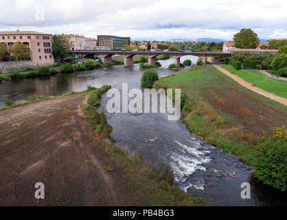 The River Aude running through the modern city of Carcassonne, southern France - Stock Image
