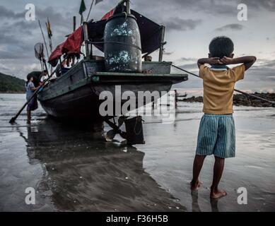 Fishing boat, San Hlan beach, Myanmar. - Stock Image