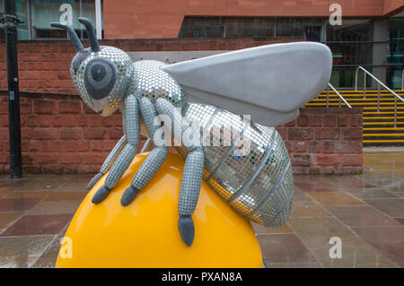 Bling Bee, by Jayne Ford.  One of the Bee in the City sculptures, outside the Manchester Central building, Manchester, UK. - Stock Image