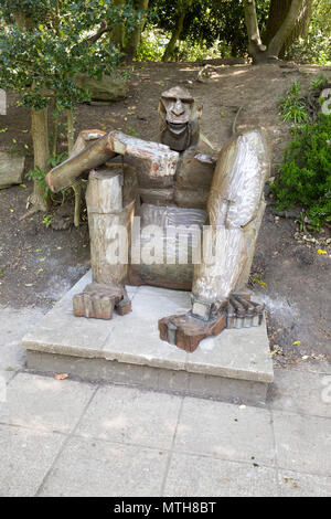 King Kong gorilla metal sculpture in Queen's Park, central Swindon, Wiltshire, England, UK - Stock Image