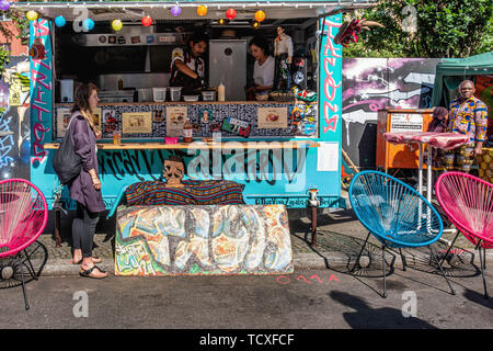 Berlin, Kreuzberg, Blücherplatz. 7th -10th June 2019. Carnival of Cultures street festival: an annual event at Pentecost  that celebrates  the city's multicultural diversity with musical, cultural, and stalls selling food & drinks from all over the world, Credit: Eden Breitz/Alamy - Stock Image