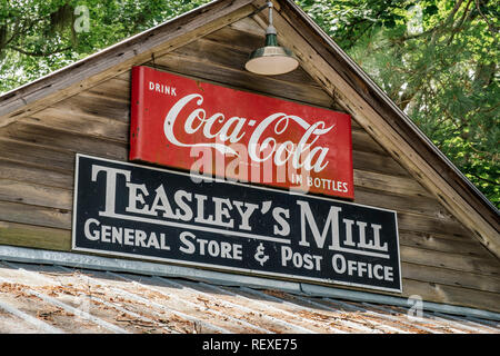 Teasley's Mill general store and Post Office in rural Alabama, USA, exterior front sign. - Stock Image