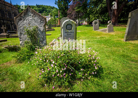 The grave of Charles Darwin's young daughter in the Malvern Priory graveyard at Great Malvern, Worcestershire, England - Stock Image