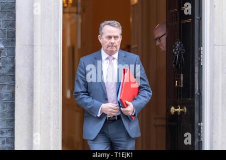 London 26th March 2019, lDr Liam Fox MP PC, International Trade Secretary eaves a Cabinet meeting at 10 Downing Street, London Credit: Ian Davidson/Alamy Live News - Stock Image