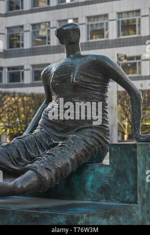 Henry Moore sculpture of a draped woman, Old Flo, - Stock Image