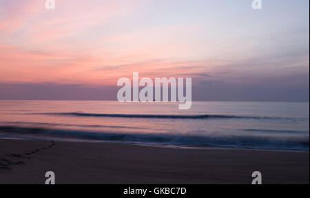Virginia Beach oceanfront at sunrise - Stock Image
