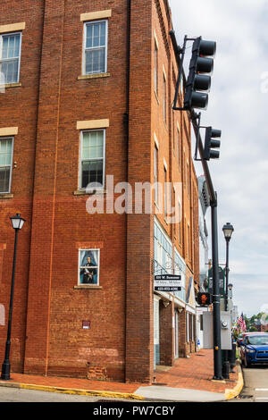 Greeneville, TN, USA-10-2-18: Masonic Lodge # 3, of which Andrew Johnson was one a member. HIs portrait is visible in a side window. - Stock Image