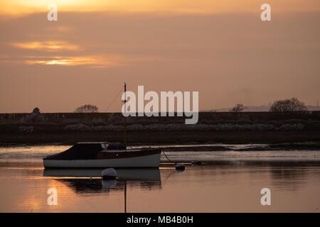 Bosham West Sussex UK. 6th April 2018. UK Weather, beautiful sunset at Bosham Harbour. Photovision Images News /Alamy Live News. - Stock Image