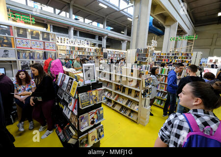 Turin, Piedmont, Italy, 10th May, 2018. International Book fair 2018,first day. Inside the Libraccio stand Credit: RENATO VALTERZA/Alamy Live News - Stock Image