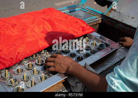 Peddler selling handmade icecreams, Old Delhi, India - Stock Image