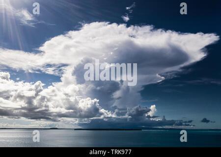 Cumulus Cloud over Balgai Bay, Lissenung, New Ireland, Papua New Guinea - Stock Image