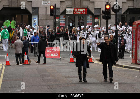 London, UK. 1st January, 2019. Road in cental Lonodon were clsed for the annual New Year parde, were about 8,000 performers representing the London boroughs and over 20 countries from across the globe take part on the annual New Years Parade on the street of London on January 1, 2019. The parade will as is custom include dancers, acrobats, cheerleaders, marching bands, historic vehicles and huge balloons making their way from Green Park Tube station to Parliament Square. Credit: david mbiyu/Alamy Live News - Stock Image