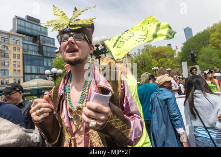 New York, NY, USA - 5 May 2018 - Marijuana advocates rallied in Union Square calling on New York State lawmakers to legalize marijuana for recreational use. CREDIT ©Stacy Walsh Rosenstock/Alamy Live News - Stock Image
