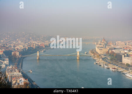 Aerial view of the famous Elisabeth Bridge at Budapest, Hungary - Stock Image